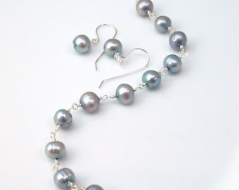 Silver Gray Pearl Bracelet and Earring Set, Wire Wrapped Freshwater Pearls, Elegant Gift Set for Her, Coordinated Earrings and Bracelet