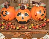 Handpainted Pumpkin Patch Lightbulbs in Loaf Pan FAAP