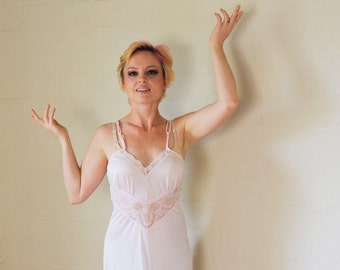 Ultra Feminine Vintage 70s Sheer Pale Pink Lace Cut Out Negligee With Thigh Slit  - Size Medium