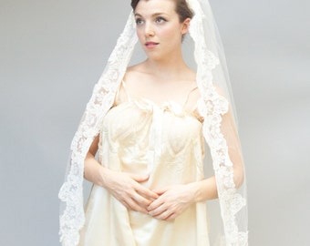 Vintage 1950's Style Veil - Chanson - Bright White Tulle Veil With French Lace Trim