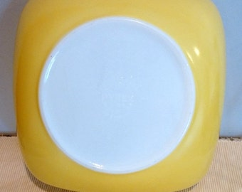 Vintage Pyrex  Square Serving Dish Yellow