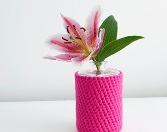 Vase with neon pink crocheted cover - Large
