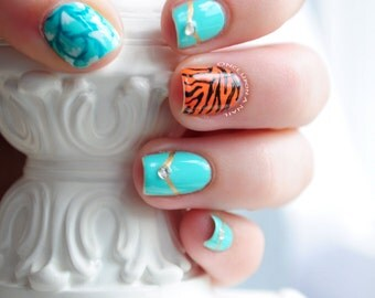 Disney Jasmine Aladdin Inspired Hand Painted Fake Nails