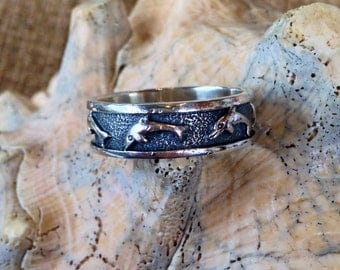 Sterling Silver Antiqued Band with Dolphins (st - 1051)