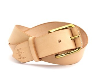 "Natural veg tan leather belt with solid brass buckle. Size small, to fit 30"" to 32"" waist. 1 1/2"" wide."