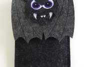 Standard iPhone SE, 5, 5S, 5C, 6, 6S, 6 Plus and 6S Plus case - Vampire bat in black and gray felt