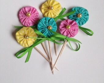 YoYo Flower Cake or Cupcake Picks in Pink, Yellow, Teal Mix - Violet Bows