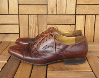 Vintage Man's Brown Leather Lace Up Wing Tip Shoes Size EUR 43 US M 9 1/2