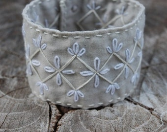Hand Embroidered Cuff Bracelet, Grey and White Daisy