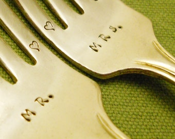 Wedding Forks Set, Personalized Forks, Custom Hand Stamped Gift, Forks with Hearts, Vintage Silver, Gift Box, Stamp Handle Option