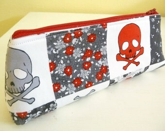 Skulls and Crossbones Long Pencil Pouch, Cosmetics Bag, Easy to Clean Lining