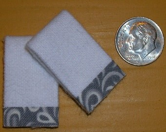 Set of 2 Miniature Dollhouse White Bath Towels #7012 with Gray & White Trim 1:12 Scale