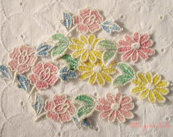 Mixed Vintage Flower Appliques (package of 6)