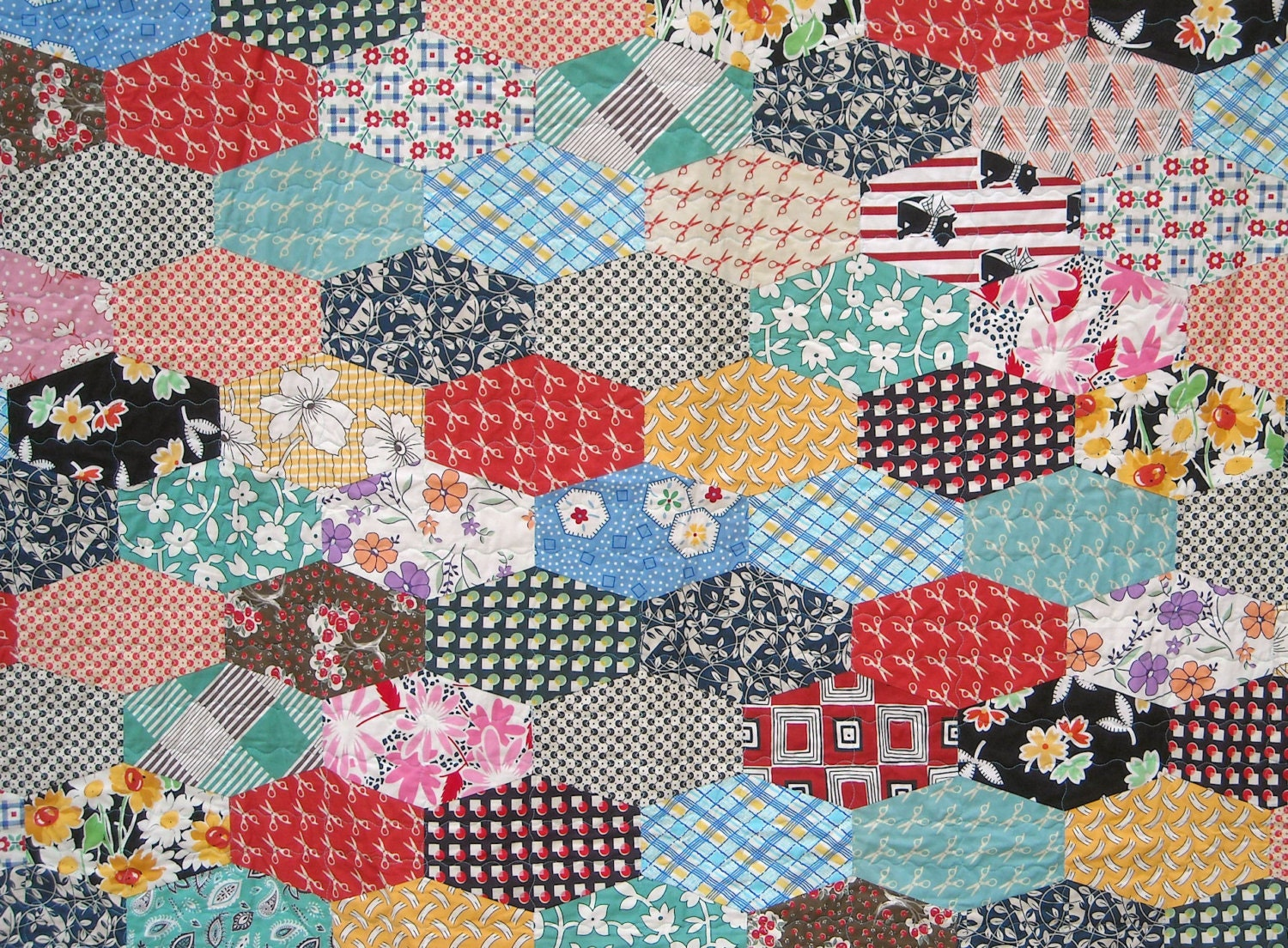 patchwork twin size quilt hexagon stars vintage look dog bre