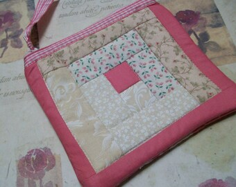 Quilted Little Case, log cabin patchwork quilt block, sewing case, clutch, pouch, pink, bridal, clutch, organizer, makeup cosmetic bag