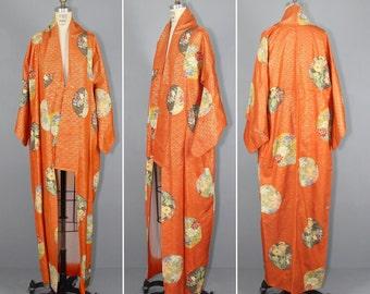 1950s kimono / silk robe / vintage kimono / MINIATURE WORLDS floral robe