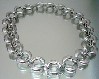 Silver Tone Circle Necklace 1960's Vintage Jewelry