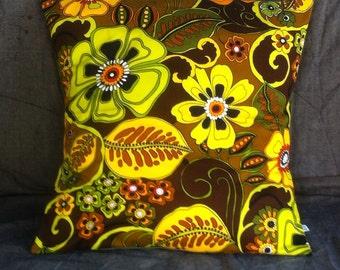 big retro cushion - olive jungle