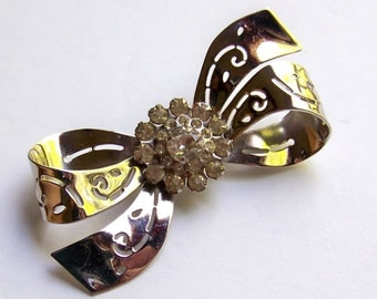 SJK Vintage -- Coro Sterling Silver Bow Brooch with Rhinestone Cluster (1940's)