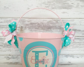 Monogrammed Pale Pink Bucket with Stacked Name design