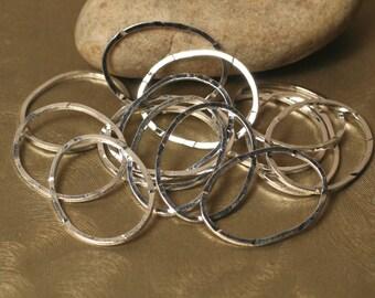 Handmade hammered irregular organic oval silver plated link connector drop size aprox 22x18mm, 6 pcs (item ID YWFA00011SPOVK)