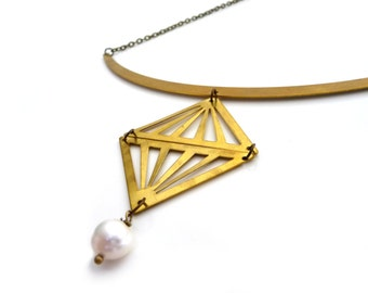 Gold brass triangle necklace with fresh water pearls - Fake diamond pendant - Geometric jewelry