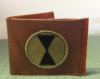 thick 2 tone leather wallet with green leather card slots and replica 7th Infantry army patch. heavy duty. free shipping