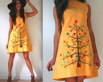 Vintage 60s 70s Birds in a Tree Shift Dress (size small, medium)
