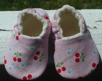 Baby Shoes , Baby Slippers, Pink with cherries, Baby Booties ,Organic sherpa lining