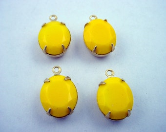 Vintage yellow Faceted Oval Glass Stone Charms 12x10 1 Ring brass setting