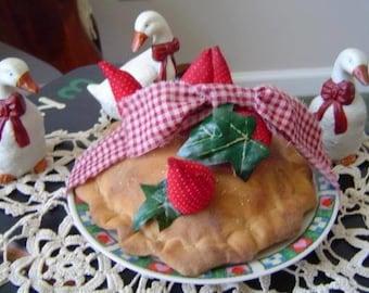 Epattern pie strawberry dessert folkart sewing pattern