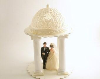 Vintage Wedding Cake Topper Decoration Bride Groom Columns Pavilion Arbor