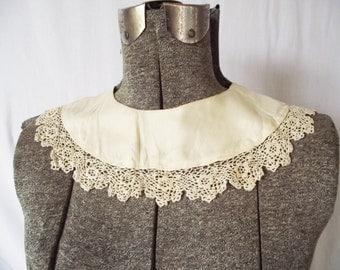 Antique Lace Trim Collar- Crochet - Ecru - Peter Pan Style