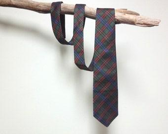 Retro Mens Plaid Necktie by GANT in Hunter Green Red Silk tie Vintage 80s 90s