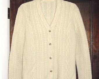 Vintage 60s Ladies Creme Handknit Cardigan Sweater M Wool