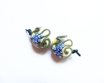 VINEYARD INK   2 ivory, silver, vine and ink grape small spree pair   A Beaded Gift