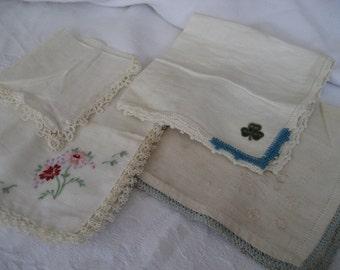 Lot of 4 VINTAGE Tatted & Crochet Edge Handkerchiefs   4t