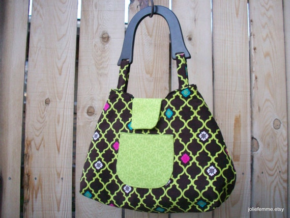 Bright Green Lattice on Brown Retro Style Handbag with Wooden Handle and Snap Closure