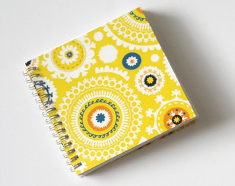 Small Coupon Organizer with 14 Pockets - Pre Printed Labels Included - Yellow Fancy Circles