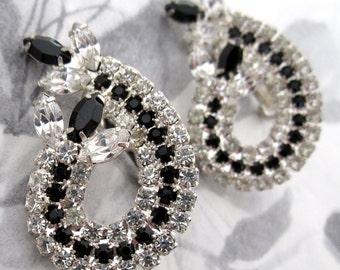 vintage prong set rhinestone earrings - j5319