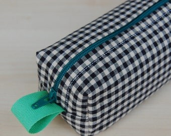 Checker Gingham Sm CA Roll (makeup or pencil case)