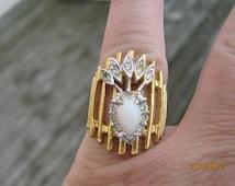 Vintage 18KT HGE Milk Glass Rhinestone Ring 7