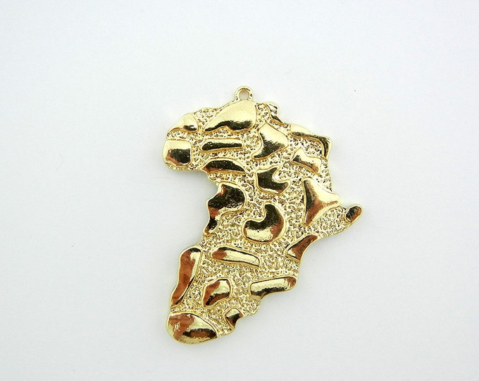 Textured Continent of Africa Pendant Gold-tone