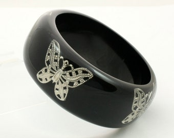Vintage Butterfly Bangle Bracelet Black Lucite with Encased Butterfly Cutouts Wide Bangle Large Bangle Silver Lace Filigree Butterflies