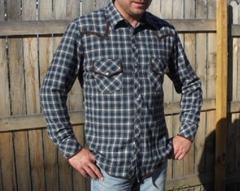 Blue plaid flannel men's large western style Shirt