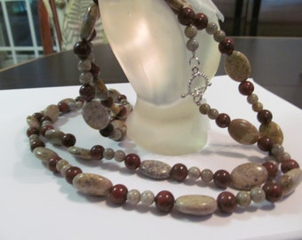 Long beaded agate ncklace