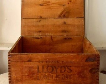 Antique 1910 Lloyd's London Dry Distilled Gin Shipping Crate New England Distiller's Inc.