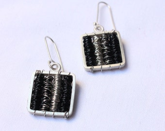 Tangle earrings Black Silver color - Sterling silver and copper wire wrapped, dangle earrings,square light earrings