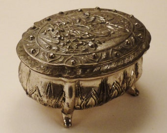 vintage JEWELRY box casket CAST Silvertone metal Courting Couple on cover four feet 3 in long