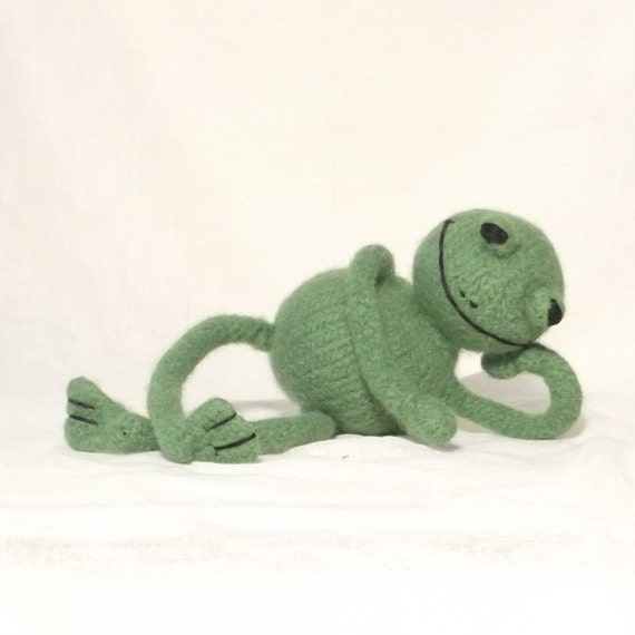Knitted Frog Pattern : Frog Knitting Pattern